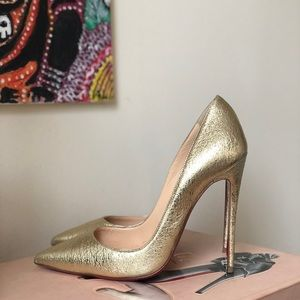 💫liquid gold💫louboutin so kate gold pumps